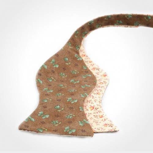 Галстук-бабочка Baboon двухсторонняя коричневая и бежевая сторона с цветочным принтом