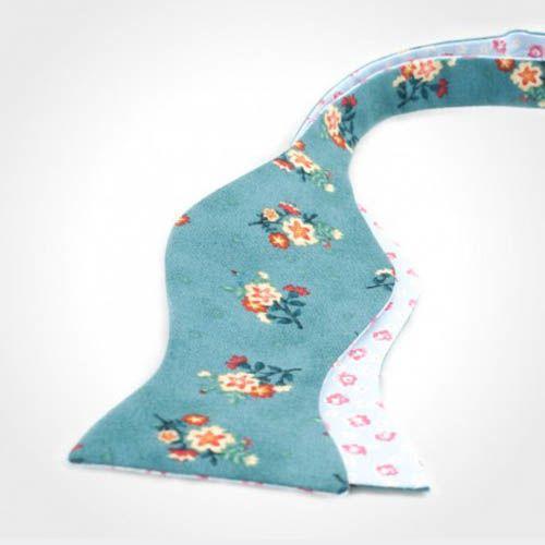 Галстук-бабочка Baboon двухсторонняя бирюзовый со светло-голубым в цветочек