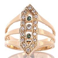 Широкое кольцо в форме вытянутого шестиугольника с бриллиантами, фото