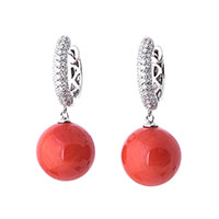 Серьги-шарики с кораллом и бриллиантами, фото