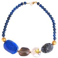 Синее ожерелье MasMas с жемчугом и ляписом, фото