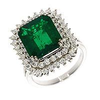 Кольцо из белого золота с бриллиантами и изумрудом, фото