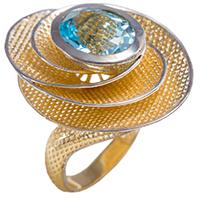 Кольцо из красного золота с топазом, фото