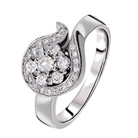 Кольцо из белого золота с бриллиантами, фото