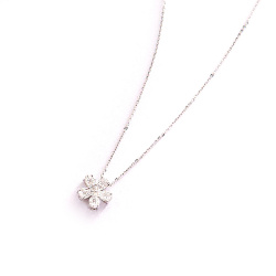 Колье из белого золота с бриллиантами, фото