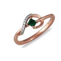 Кольцо из красного золота с бриллиантами и изумрудом, фото