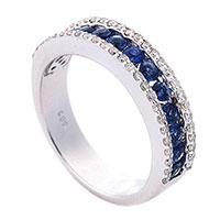 Золотое кольцо Оникс с бриллиантами и сапфирами в ряд, фото