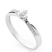 Тонкое кольцо Оникс из белого золота с бриллиантами, фото