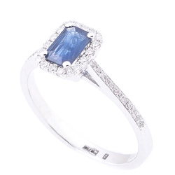Кольцо с синим сапфиром и бриллиантами, фото