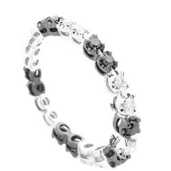 Кольцо с черно-белыми бриллиантами, фото