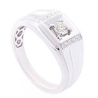 Мужской перстень с бриллиантами, фото