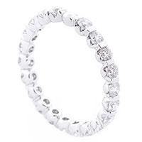 Золотое кольцо с белыми бриллиантами, фото