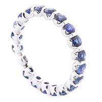 Женское кольцо с сапфирами, фото