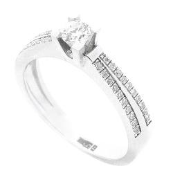 Кольцо Оникс из золота с бриллиантами, фото