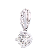 Золотой кулон с бриллиантами, фото