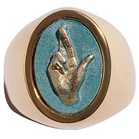Перстень rockah. Amor Vincit Omnia из ювелирной бронзы с патиной Mano Fortuna на удачу, фото