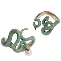 Двойное кольцо rockah. Siren's Treasures Змеи из ювелирной бронзы с патиной и жемчужиной, фото