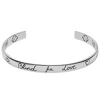 Незамкнутый тонкий браслет Gucci Blind for love из серебра с романтичной гравировкой, фото