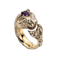 Золотое кольцо Gucci Le Marche des Merveilles в виде кошки с плавником и аметистом, фото