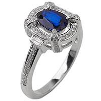 Золотой перстень с сапфиром и бриллиантами, фото
