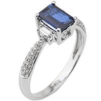 Перстень из золота с сапфиром и бриллиантами, фото
