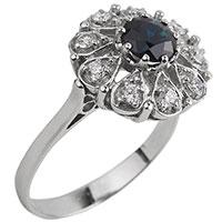 Золотое кольцо с синим сапфиром и бриллиантами, фото