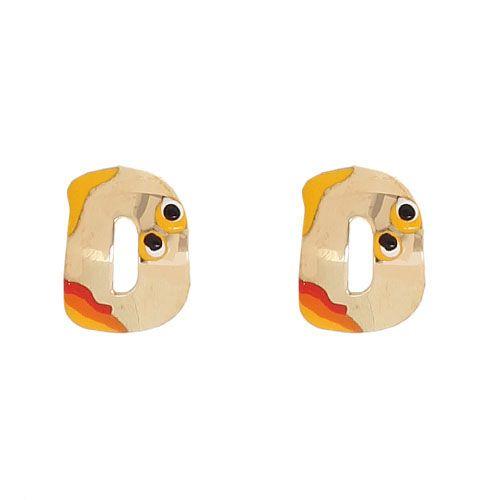 Золотые серьги-пусеты Vai в виде английской буквы D с разноцветной эмалью, фото