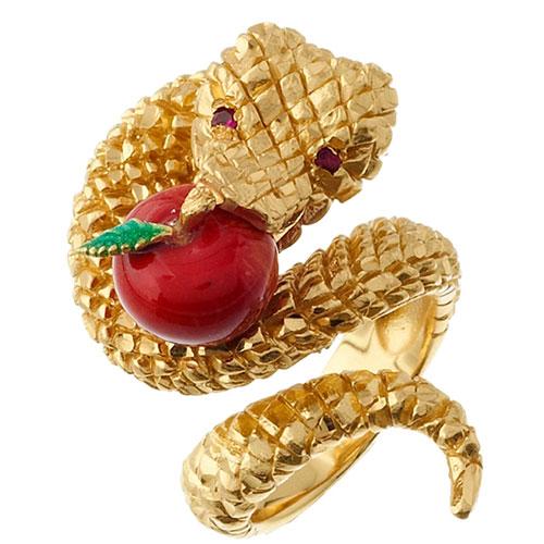 Перстень Misis Temptator в виде позолоченной змейки с яблоком, фото