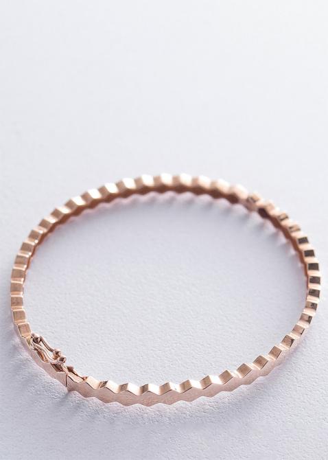 Жесткий браслет из красного золота, фото