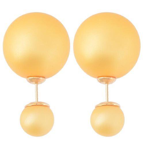 Асимметричные серьги-гвоздики желто-оранжевого цвета матовые, фото