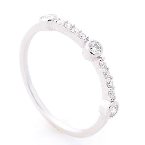 Тонкое кольцо Оникс из белого золота, фото