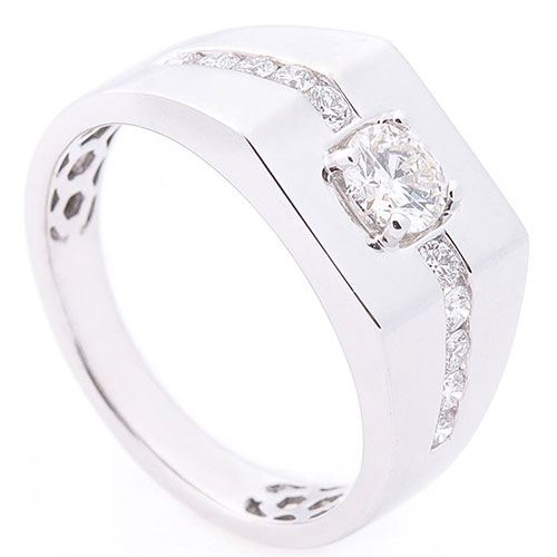 Кольцо-печатка Оникс с белыми бриллиантами, фото