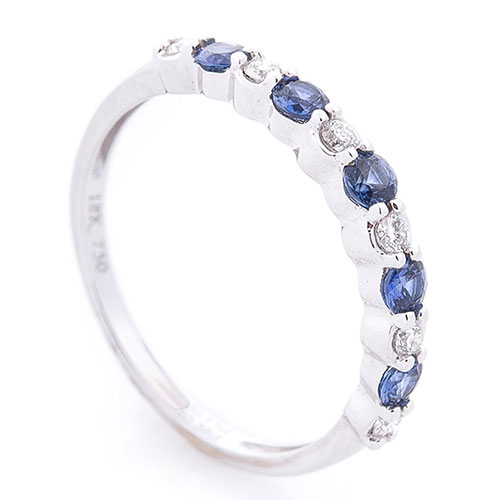 Золотое женское кольцо Оникс с сапфирами и бриллиантами, фото
