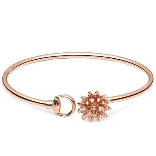 Золотой незамкнутый браслет Gucci Flora с цветком с бриллиантами, фото