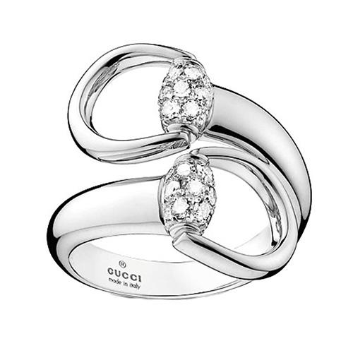 Широкое женское кольцо Gucci Horsebit из белого золота с бриллиантами, фото