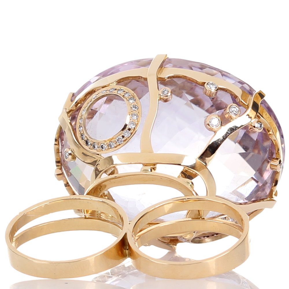 Крупное золотое кольцо на два пальца с бриллиантами Olga Veisberg и крупным аметистом