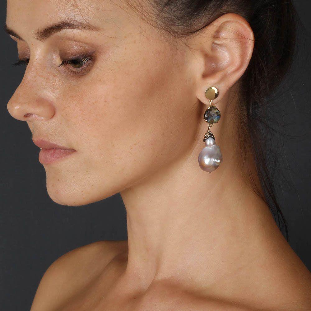 Золотые серьги Olga Veisberg с крупными жемчужинами и лабрадоритами