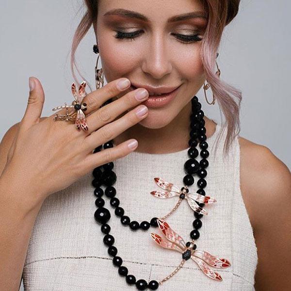 Кольцо Misis Lillybeth со стрекозой красного цвета