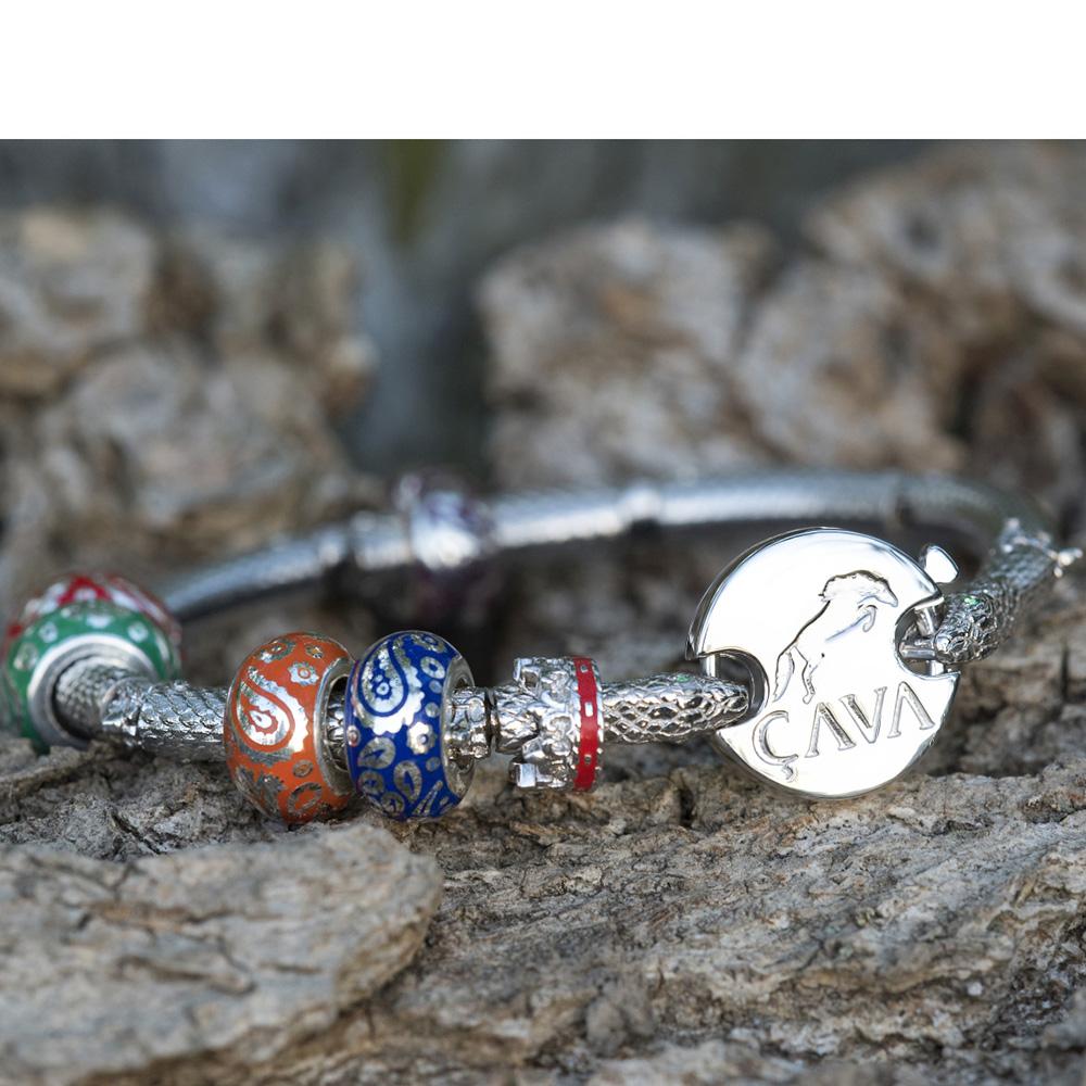 Браслет Cava.cool Змея из серебра с родированием и зеленым нанокристаллом
