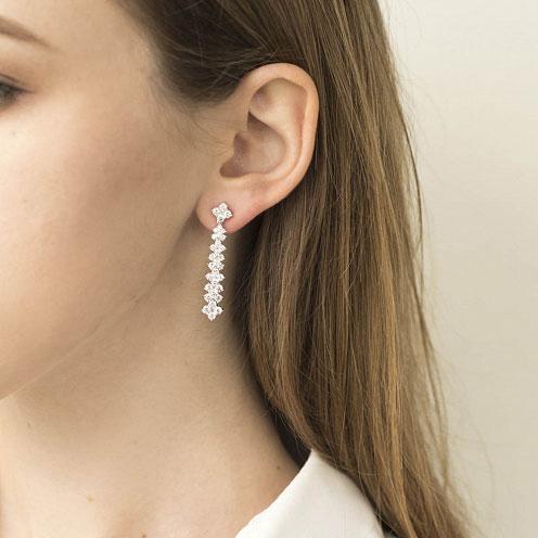 Серьги-гвоздики Оникс из белого золота с бриллиантами