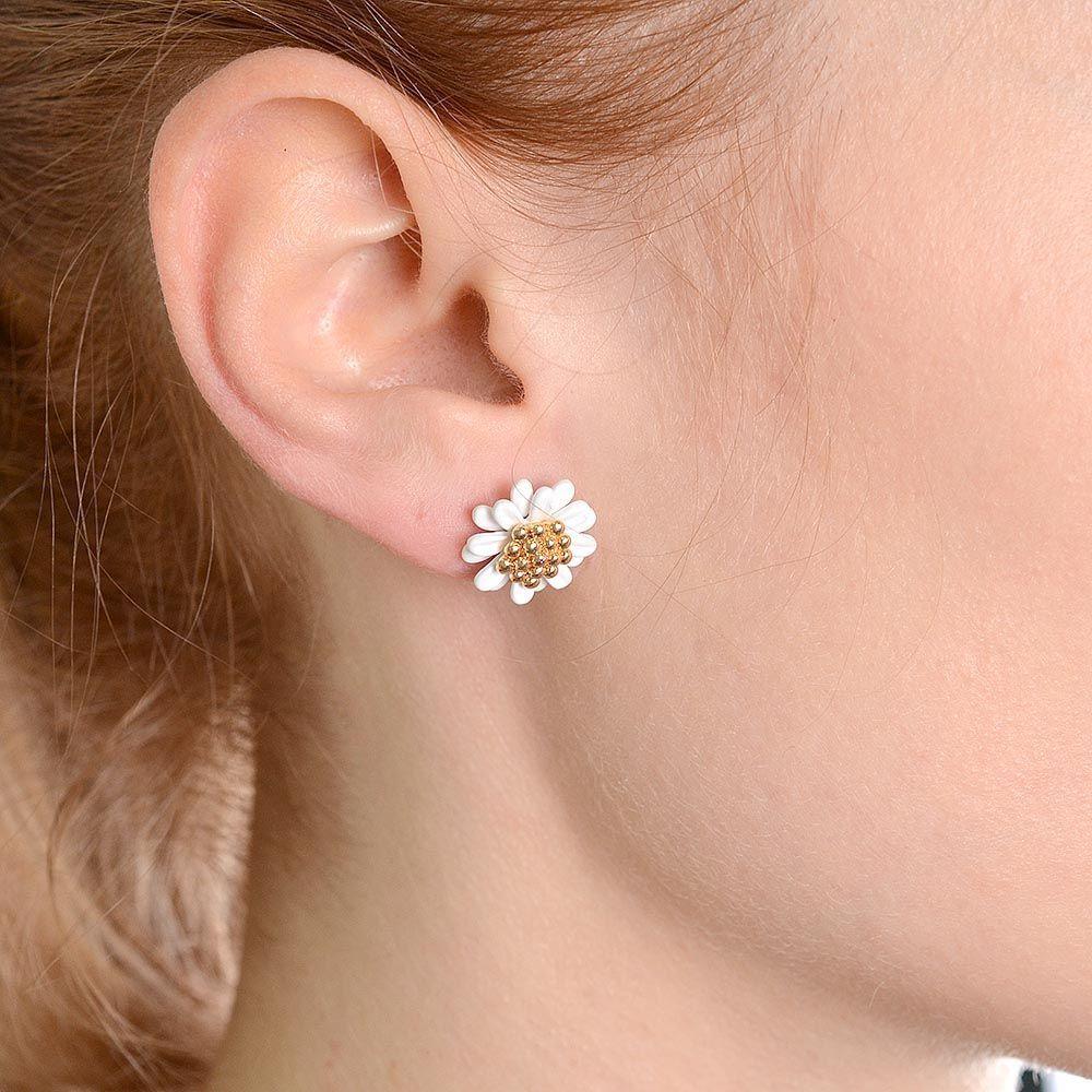 Серьги-пусеты в виде белых цветов