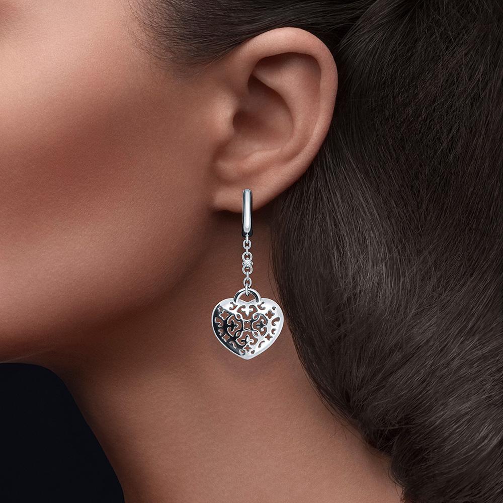 Серьги-подвески Cava.cool Сердце с двумя бриллиантами 006 карат