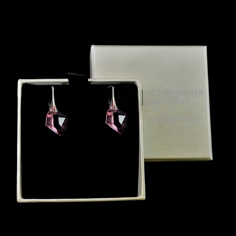 Серебряные серьги She Happy с бледно-розовыми кристаллами Swarovski в форме ромба e9021