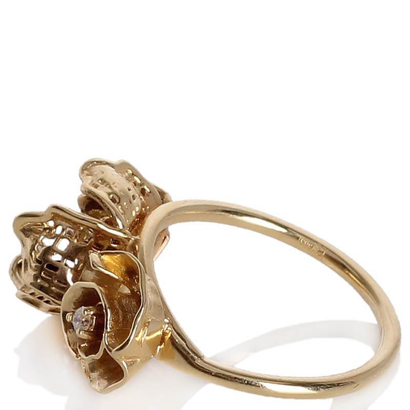 Золотое кольцо Roberto Bravo с двумя цветами разного размера и драгоценными камнями