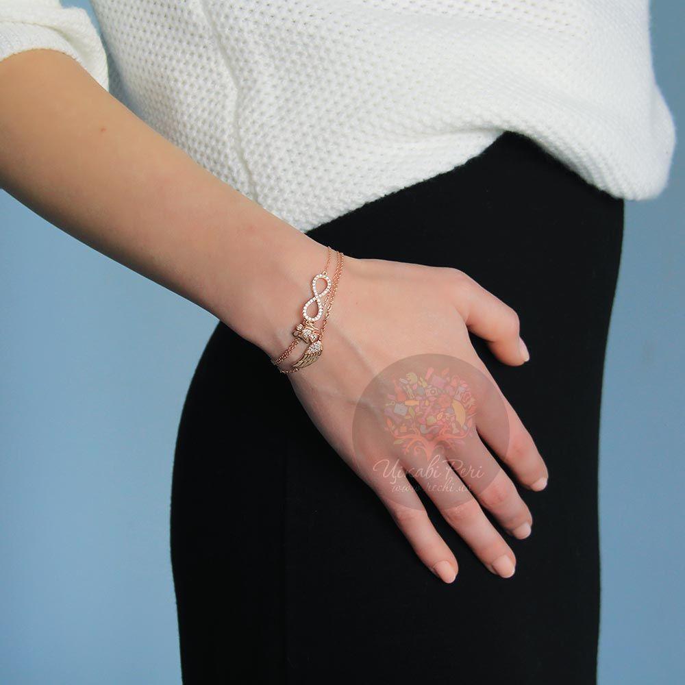 Браслет Jewels с покрытием из розового золота на тонкой цепочке с кулоном в виде знака бесконечности украшеного кристаллами