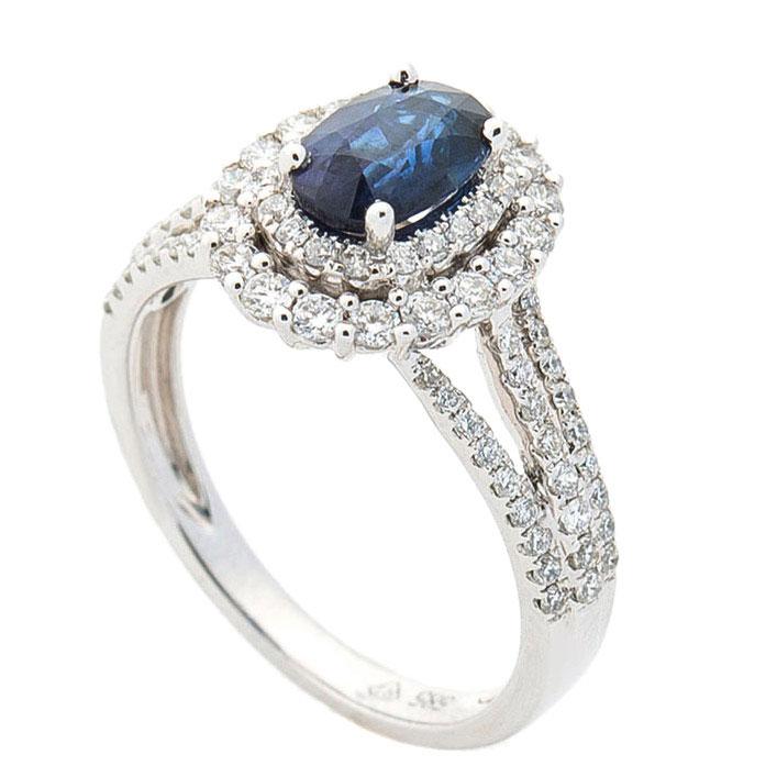 Кольцо Оникс с сапфиром и бриллиантовой россыпью