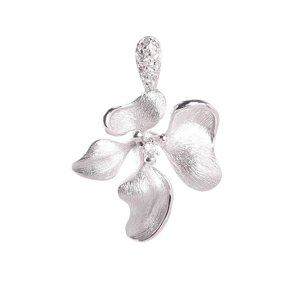Кулон на шею Roberto Bravo Kareena в форме цветка маттиолы с бриллиантами