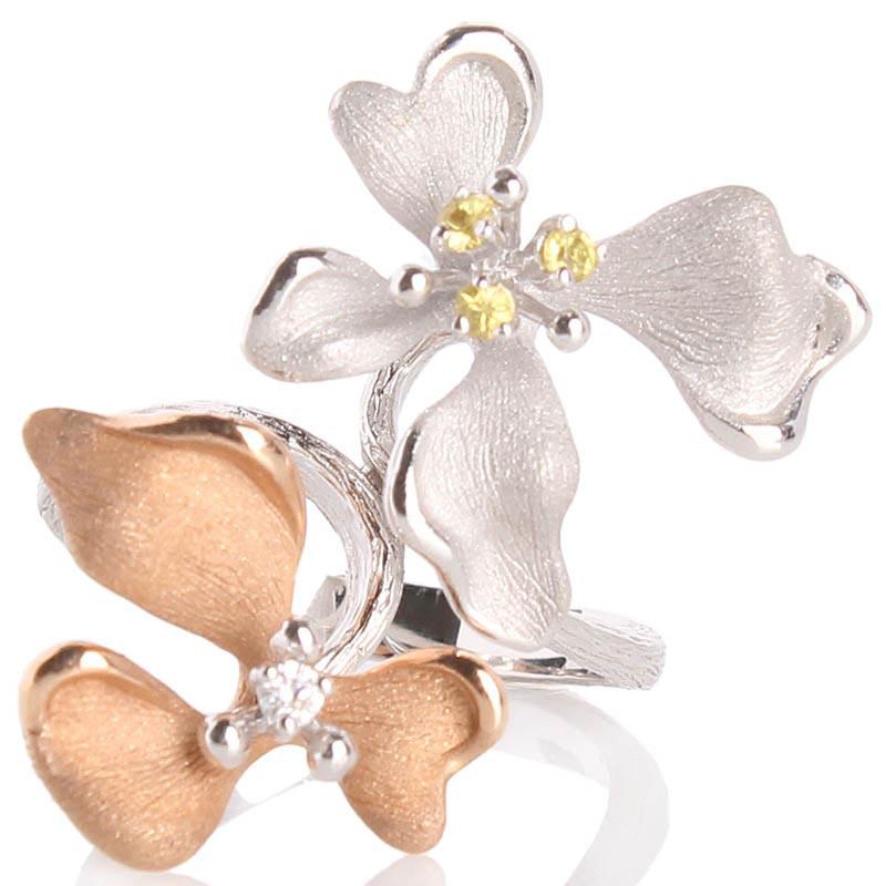 Кольцо Roberto Bravo Kareena с двумя цветками маттиолы и драгоценными камнями