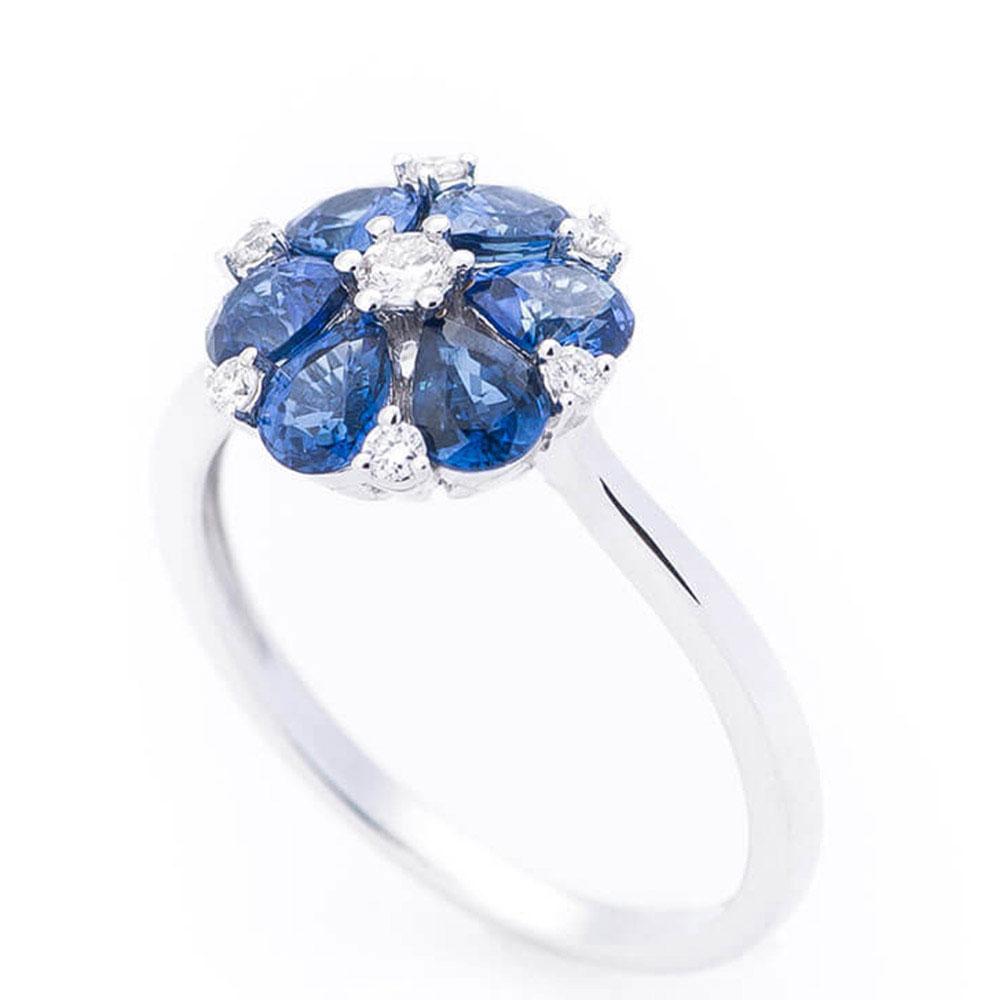 Кольцо женское Оникс Цветок в камнях