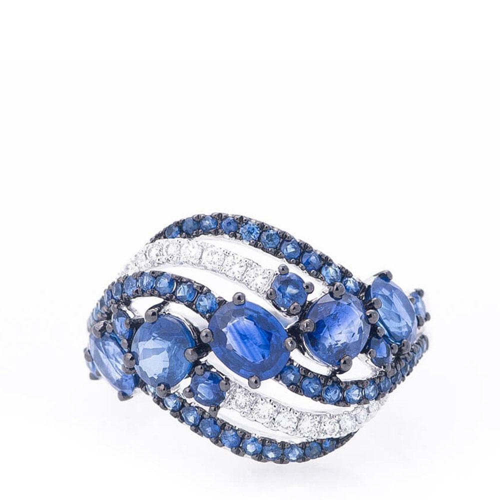 Золотое кольцо Оникс с бриллиантами и сапфирами